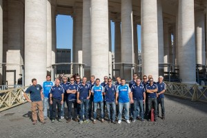 Mannschaft beim Petersdom